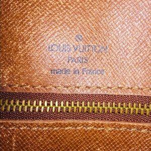 Louis Vuitton Bags - Authentic LOUIS VUITTON Vintage Shoulder Bag